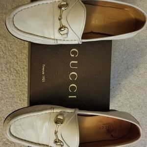 Gucci Women's Quentin Ice Leather Loafers Size 6